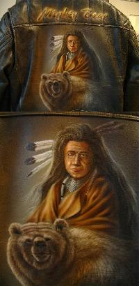 Airbrush Indianer Mighty Bear auf Lederjacke